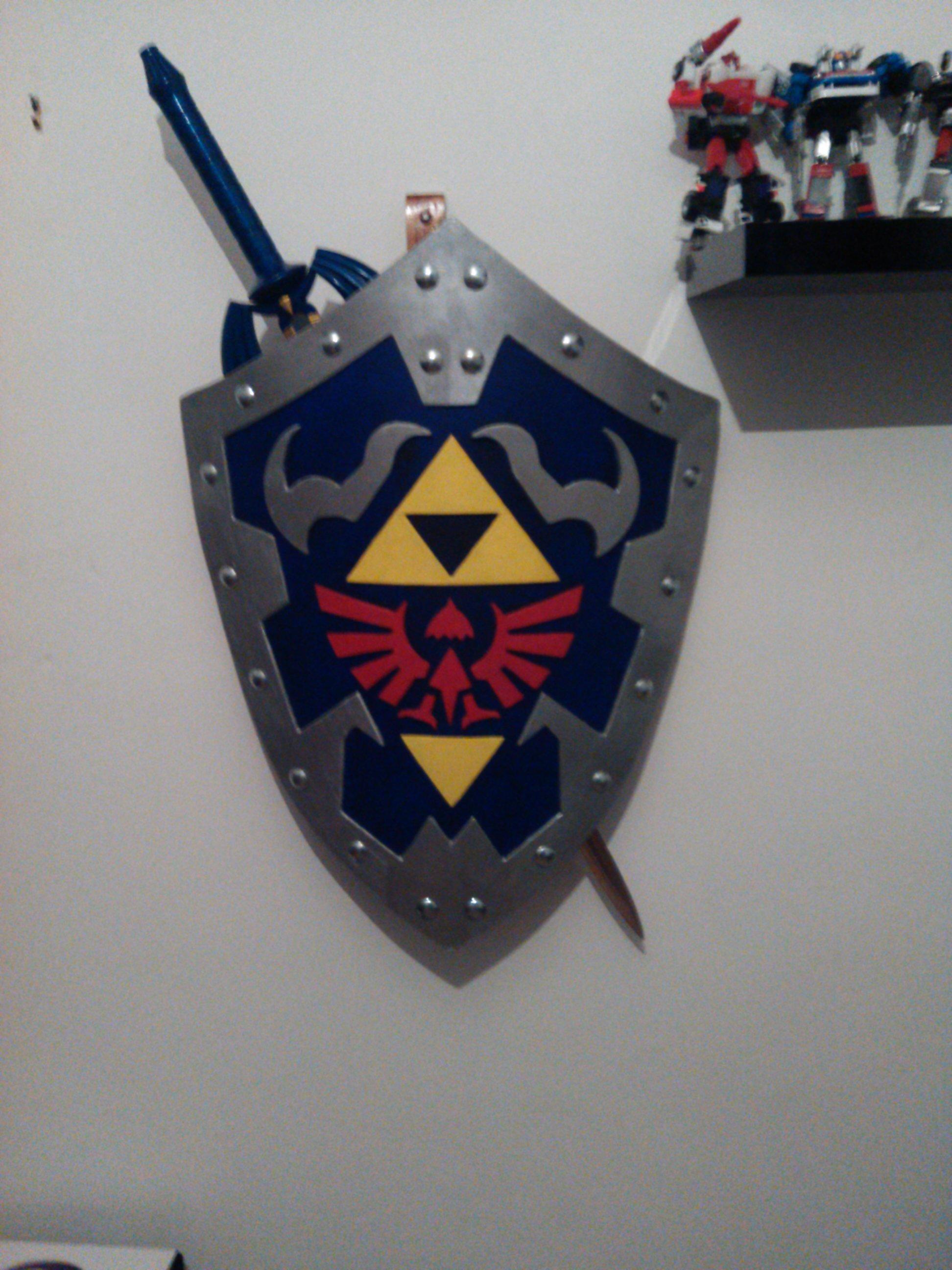 Zelda Ocarina of Time Hylian Shield replica