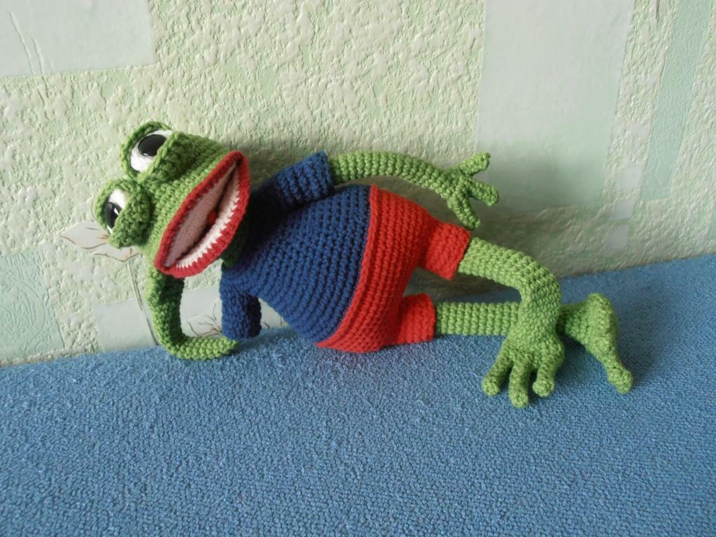 Pepe the Frog amigurumi
