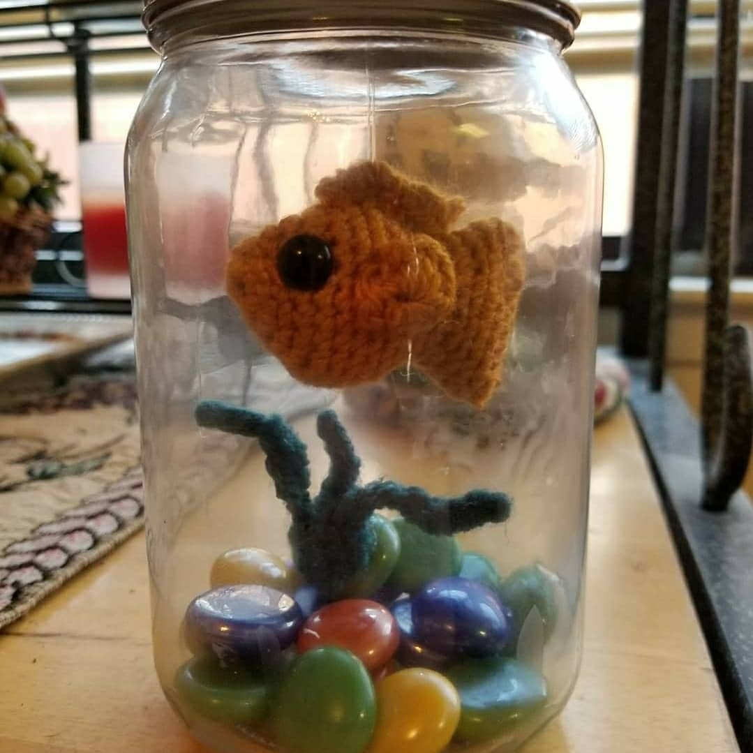 No fuss fish in a jar