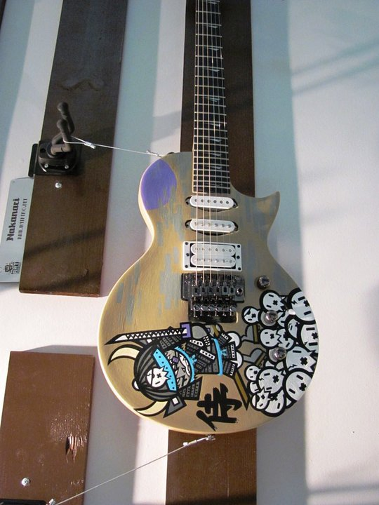 guitar with art