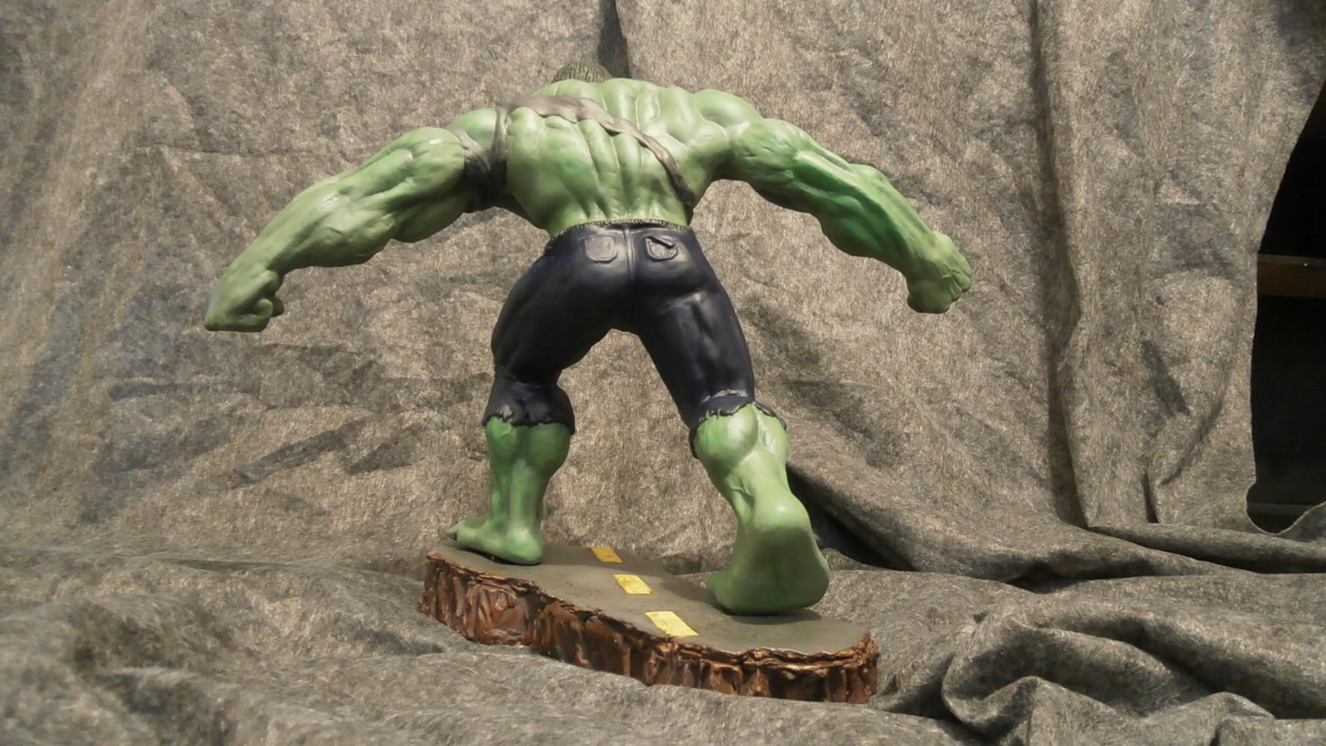 incredible hulk statue back by hulkvsasia on newgrounds