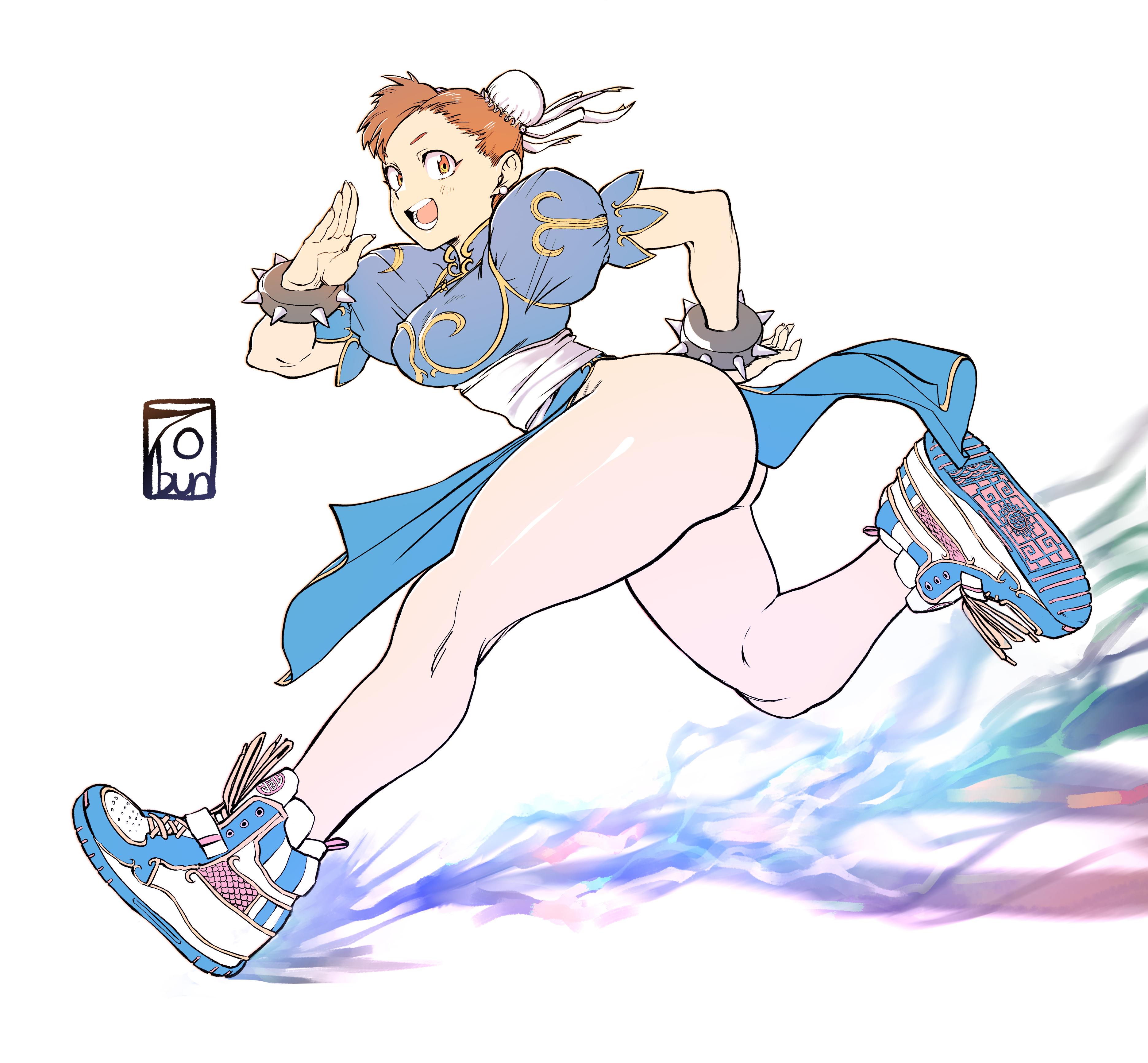 Chun-Li with big shoes